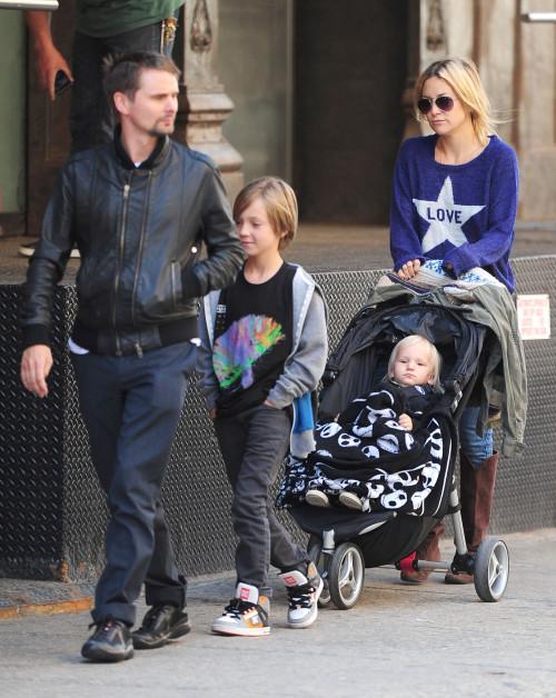Kate Hudson & Family Take A Stroll Through Tribeca